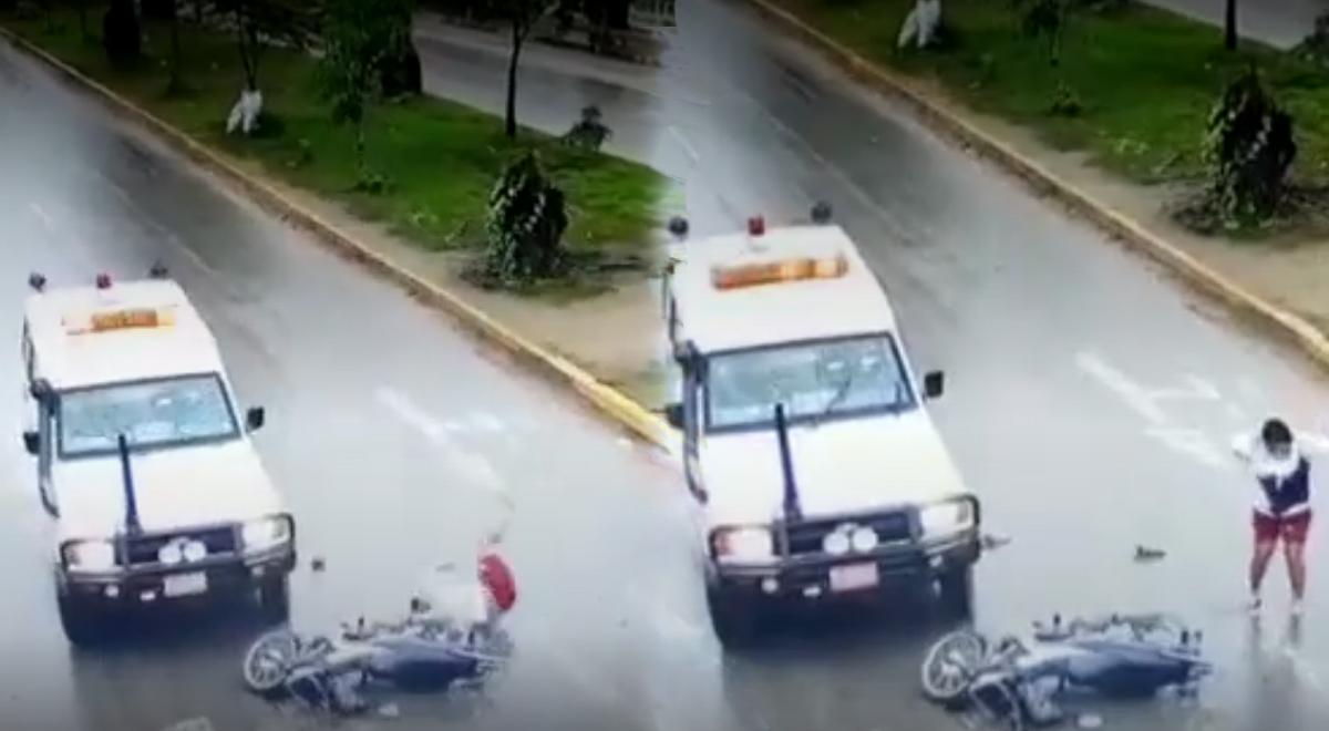 Tarapoto: Ambulancia pierde el control por lluvia y atropella a motociclista [VIDEO]