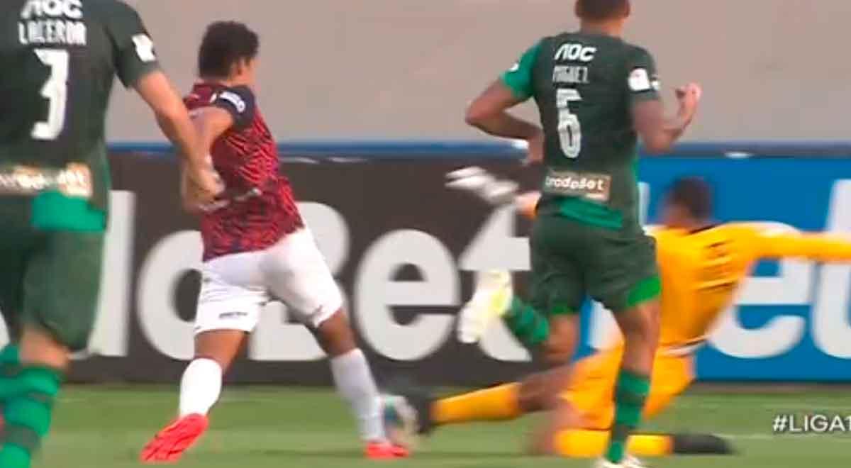 Joel Alarcón no cobró penal a favor de Municipal sobre Alianza Lima en el clásico por Liga 1