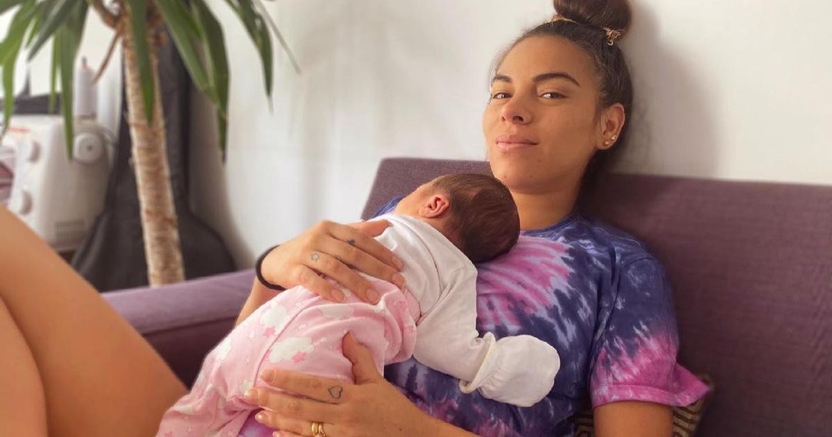 Aída Martínez comparte video de su parto bajo el agua