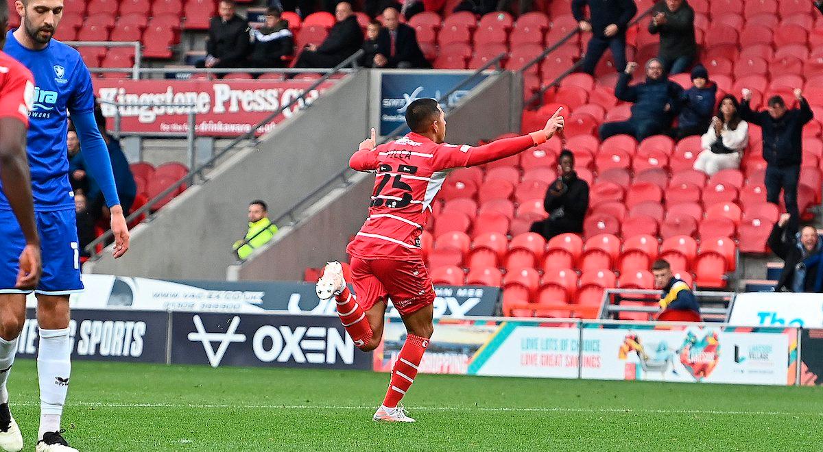 Rodrigo Vilca se quita la sal y anota su primer gol con el Doncaster Rovers